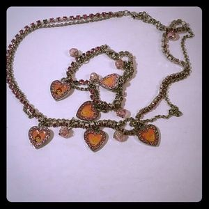 A set of chain with bracelet